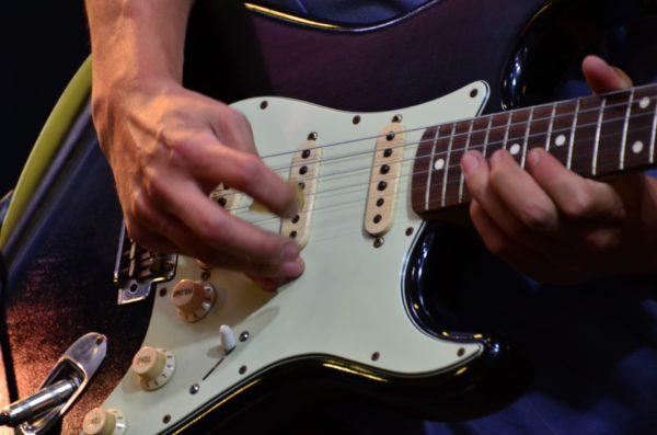 プロのギタリストを目指す君へ!プロになる最低条件とは!