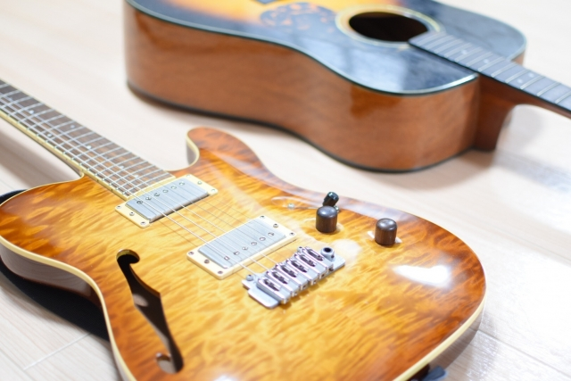ギターを始めるにあたり「エレキ」「アコギ」どっちがいいの??