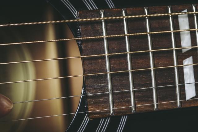 ギター弦のオススメ!!弦は定期的な張り替えを心がけよう